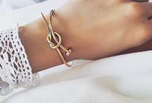 bracelets ∘ / bling