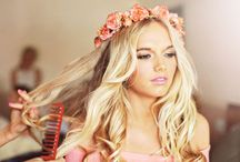 flower crowns ∘ / life is better with flowers in your hair