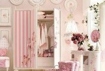 Shabby Chic / Who doesn't love a bit of vintage, a bit of floral and a bit of shabby chic?