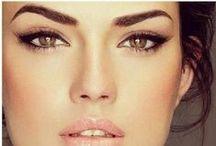 Makeup / Applying makeup