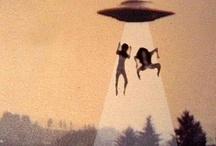 Aliens / Scifi Art / UFO / Space / Astronauts / Team I:Λ / Aliens - UFO - Space - Scifi Art - Retro