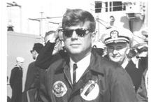 1963 - 16 Novembre. USS Observation Island/USS Andrew Jackson. John Fitzgerald KENNEDY / Visit aboard the United States Naval ship USS Observation Island (EAG-154)