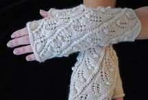 Knitting - Wrist Warmers/Fingerless Gloves / Knitting