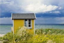 Little houses / Der er bare noget virkelig hyggeligt over de her små feriehuse ❤️