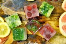 Cubos de Hielo / dale sabor y un toque especial a los cubos de hielo para que refresques tus aguas... ¡Checa este tablero!