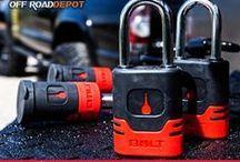 BOLT Lock / Sí conduces un vehículo 4x4 y transportas o tiras de un remolque; los candados BOLT Lock son para ti. Los candados BOLT Lock permiten configurar cada uno de ellos con la misma llave con la que conduces tu vehículo y/o abres las cerraduras del mismo.