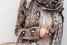 Schals * Gürtel * Accessoires
