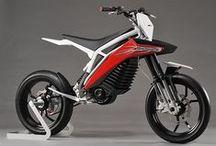 50 à boîte / Retrouvez les photos des derniers modèles de 50 à boîtes (ou mécaboîtes) /// Find the pictures of the newest 50cc mopeds and motorbikes