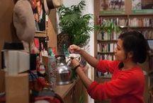 Magasins solidaires Oxfam  / Les Magasins Oxfam proposent une large sélection de livres, CD, DVD, vêtements et objets d'occasion pour la maison, dont les recettes financent directement les activités de mobilisation citoyenne et de plaidoyer de l'association. 5 magasins existent déjà en France : deux Bouquineries à Paris, une Friperie et une Bouquinerie à Lille, ainsi qu'une Boutique à Strasbourg.