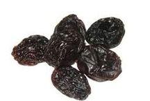 svesker  dansk tekst / svesker  sød, tørret blomme som er sort, rynket og fedtet og bruges til madlavning