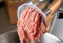 Farsretter  dansk tekst / Farsretter  madret med kødfars som hovedingrediens, fx frikadeller, kødboller og farsbrød