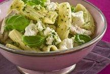 pastasalat  dansk tekst / pastasalat   salat med kold, kogt pasta som hovedingrediens
