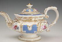 Rokokoo, uusrokokoo, rokoko, rococo / Tähän on koottu sekä aitoja rokokoohuonekaluja 1700-luvulta että uusrokokooesineitä ja muotokuvia 1800-luvulta.