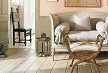 Antiikki-interiöörejä / Antique interiors