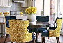 Cozy Kitchens and Dinner Rooms / Mármore. Inox. Cadeiras. Armários. Comidas. Risadas.