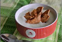 Snacks / Os nossos snacks são feitos 100% à base de fruta biológica desidratada. Temos disponíveis snacks de maçã gala, maçã golden, maçã reineta, pêra alexandrina, pêra rocha, dióspiro e ainda de physalis. Deliciosos e saudáveis ficam bem em qualquer ocasião...