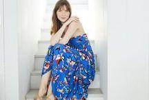 BLEU KLEIN ET JAUNE SAFRAN / Lookbook mode femme de la collection été 2018 de chez Grain de Malice. Shoppez le look en magasin ou sur www.graindemalice.fr