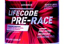 LIFECODE ENERGY SUPPLEMENTS / Energy supplements are nutritional substances that help the calorie levels necessary for the organism during movement to be achieved. They are used during intensive sports activities, and for long sessions of aerobic disciplines. They are composed of carbohydrates, the molecules that represent the substrate of choice for energy production during long and strenuous exercise activities.