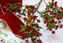 Mistletoe & Holly Theme / Celebrate Christmas tradition with the classic merry mix of red, green, and gold ornaments