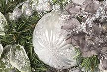 Crystal Palace Theme / Silver and pewter hues lend a touch of understated elegance to your holiday home