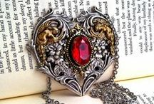 AppleBite Jewelry / Handmade Gothic Victorian Alternative Jewelry Gothic Fashion