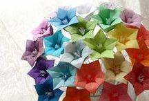 Flores de Origami / Arranjos florais feitos de Origami. / by Patricia Petri