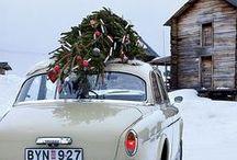 C'est Noël ! / Un peu d'ambiance de Noël dans le monde #automobile aussi ! Du rouge, du blanc, des décorations pour se préparer à #Noël qui approche. #pneus #sapin ;)