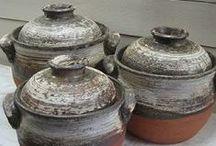 ごはん土鍋 : Rice Casserole Rice cooker, Donabe / Japanesefood、RiceCasserole、Ricecooker,Washoku,donabe ウサラビでお取り扱いしている 丹波焼のごはん土鍋です。 遠赤外線効果のある土で作られている為 旨味が十分に引き出され、炊飯器やその他のごはん土鍋より 美味しいごはんを簡単に炊く事ができます