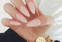 hooker nails