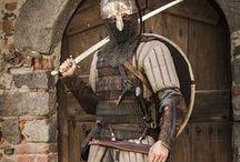Armi e Armature / Raccolta di armi e armature, sia storiche che fantasy