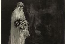 Bodas 1920's // 1920's wedding / Está claro que lo #vintage y los años 20 son #tendencia2013. Y a nosotros nos encantan así que a disfrutar de lo lindo con este tablero! / by Save the Date Projects (Invitaciones para tu boda)
