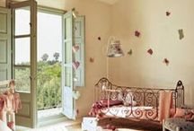 Children's bedroom ideas / Amazing childrens bedroom ideas with toys, beautiful beds, and inventive dens etc