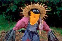 Spaventapasseri bellissimi / Più che spaventarli, vogliamo almeno far sorridere i passeri!