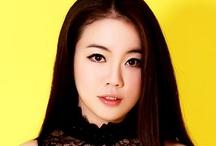 ♀ Asian Women