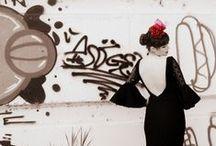 Make Of Feria de Abril 2013 / Después de casi más de 10 años de colgar los alfileres, las agujas, jaboncillos y tijeras, mi hija me propuso diseñar su traje y que yo se lo hiciera y así fue. No es el primer traje de flamenca que hago, pero si me asustaba por el tiempo que hacía, que no cortaba...así que se me ocurrió ir fotografiando algunos pasos que me parecian interesantes. Os dejo la muestra de ambos trabajos, traje y complementos.