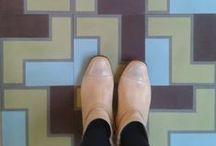 tiles; ENCAUSTIC TILES / Hydraulic Cement Tiles, Cementtegels, Modernista Floors, Hydraulic Tile, Floors Pattern, Amazing Floors, Ceramics Tile, Tile Hydraulic, Tile Floors, Azulejos Hidraulico, Azulejos Barcelona, Ladrilho Hidráulico.