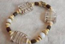 Mes bracelets / Tous ces bracelets sont mes créations. Ils sont uniques.