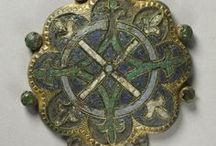 Medieval enamels / Medieval jewellery decorated with enamel