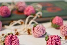 crochet: flowers, leaves, ribbons, butterflies