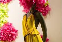 Spring '15 window display / Το Omberon υποδέχεται την άνοιξη με μια βιτρίνα γεμάτη υπέροχα φωτεινά χρώματα και ρούχα που θα αγαπήσετε να φοράτε!  Windowdisplay design by Dimitris Xirogiannis & Nikos Haralampidis