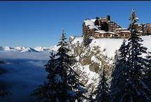 WINTER | LES PORTES DU SOLEIL / Dit imposante skigebied heeft 650 pistenkilomers en verbindt 14 skidorpen aan elkaar. Neem je paspoort mee, want het gebied ligt in zowel Frankrijk als Zwitserland. In het Franse deel liggen acht wintersportstations waarvan Avoriaz en Morzine het meest bekend zijn. Tijdens de lange skitochten is het optimaal genieten van het prachtige natuurschoon, knusse bergrestaurants en gevarieerde pistes.