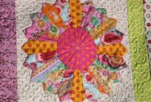Quilts - Dresden Plates and Fans / by Carol Bornsheuer