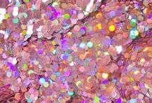 ALL THAT GLITTERS / Extravagant dresses, sparkling make-up, glittery nails, glittering jewellery, glitzy clothes, tinsel designs; a glistening GLITTER BOMB of a Pinterest Board to feast your eyes on!