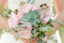Succulent Wedding / Every Bloomin' Thing loves the succulent trend.