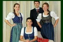Central AT Niederoesterreich / Folk costumes from Lower Austria / Niederösterreich (Wachau, etc.)