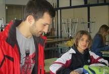 Aprenent entre iguals. Contracte Programa / La tutoria entre iguals és àmpliament utilitzada en molts països (peer tutoring) , en tots els nivells educatius. Es considera una pràctica altament efectiva per a l'ensenyança inclusiva. Beneficiosa tant per a tutors com per als que són tutorats.  Més informació: http://grupsderecerca.uab.cat/grai/es