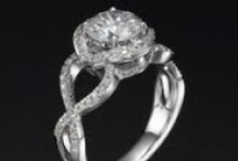 2 Carat Diamond Ring / Browse our 2 carat diamond engagement ring collection, and pick up your favorite 2 carat diamond ring design for a reasonable price and a top notch service.