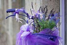 Purple wedding inspo. / Inspiring wedding pretty in shades of purple and mauve.