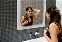 Spiegels / Zoek je een spiegel voor in de badkamer? Mooie complete spiegelkast, spiegels met verlichting, scheerspiegels, spiegels met led verlichting of zelfs met spiegelverwarming kun je vinden op Badkamerwinkel.nl