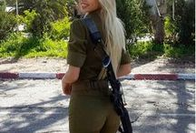 Hot Israeli Army Girls (18+) / Hot and sexy Israeli female IDF soldiers in uniform and bikinis